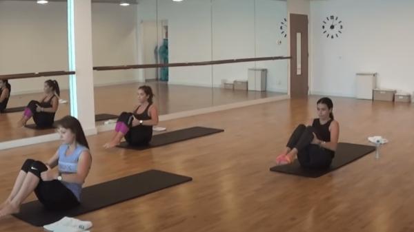 Beginner Mat Pilates Class